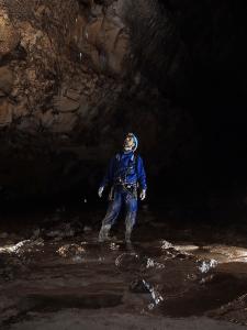 Cueva Fresca - Pequeña formación debajo de la gotera