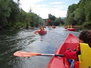 Remanso del río en las canoas