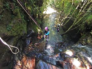 Jornada Iniciación Valles Pasiegos - Rapel 10 metros   Aján Inferior