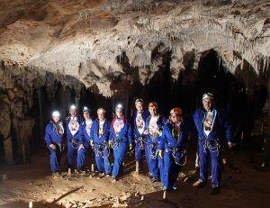 Despedidas de Soltero en Cantabria - Cueva Coventosa